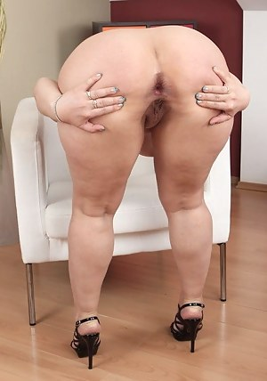 Free Mature Asshole Porn Pictures