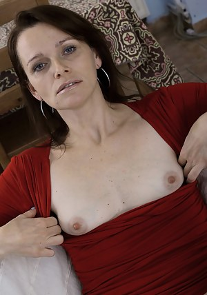 Free Mature Small Tits Porn Pictures